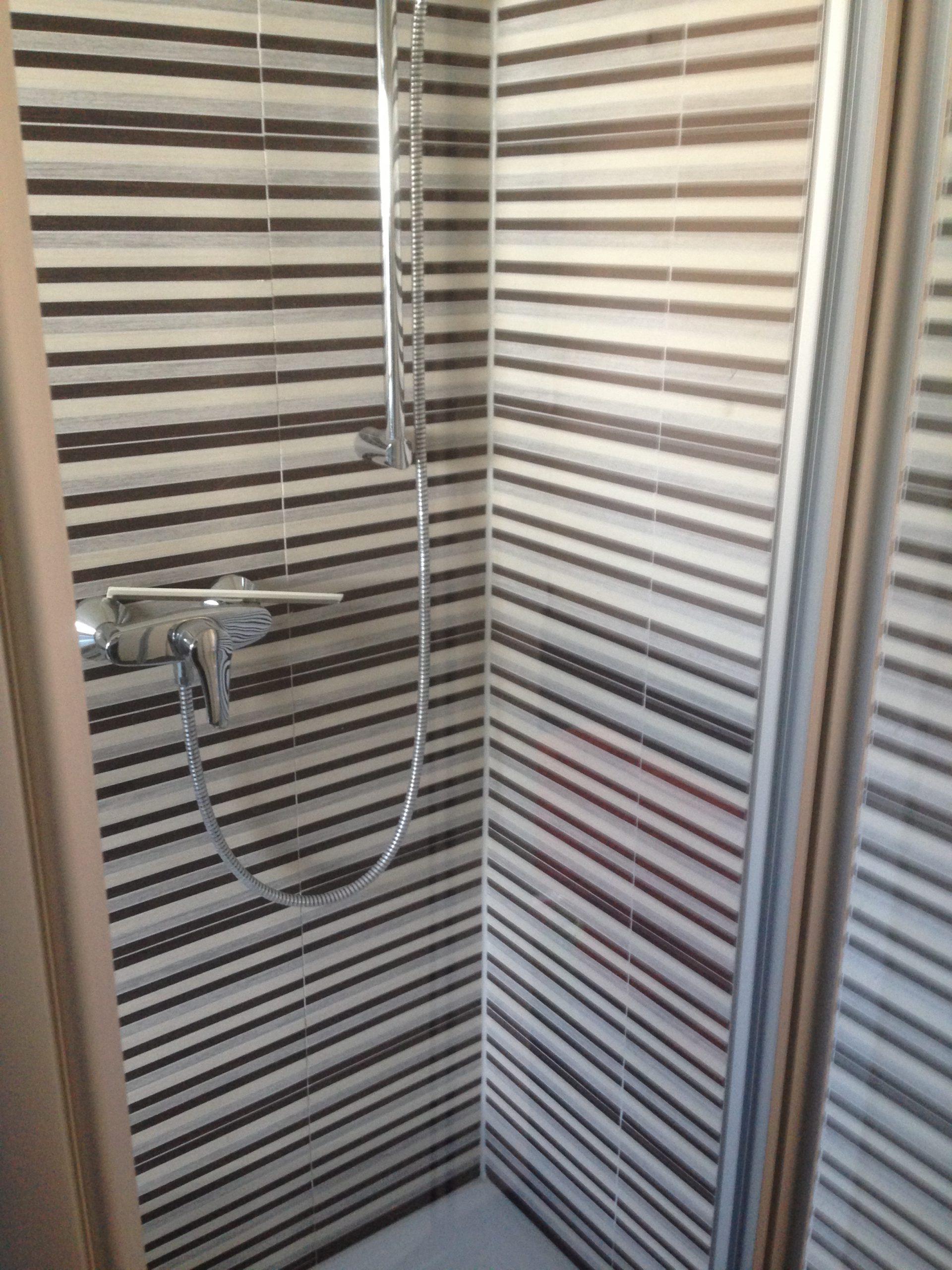 Dusche nach Renovierung
